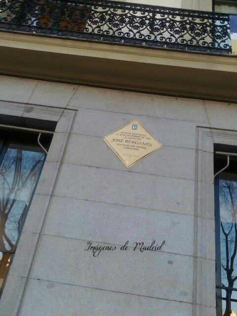 Placa conmemorativa en la calle de San Bernardo