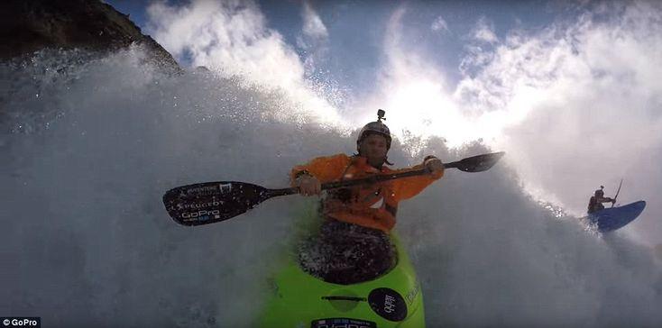 A metragem do Close-up revela como resistente pode ser navegar águas agrestes em um caiaque   Read more: http://www.dailymail.co.uk/travel/travel_news/article-4076466/Dangling-crevasses-kayaking-waterfalls-piste-snowboarding-best-GoPro-action-videos-2016.html#ixzz4V5EcdEpv  Follow us: @MailOnline on Twitter | DailyMail on Facebook