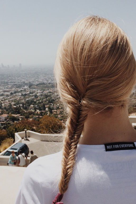 Being ABIDELESS in #LA! Thanks for this beautiful photo. Share your story with #IamABIDELESS #women #fashion #clothes #LasAngels #USA #travel #power #white #tee #blonde #beauty #clothes