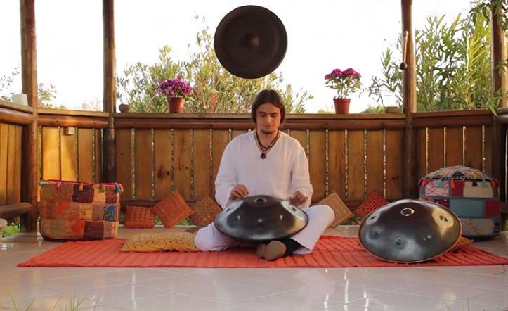 """IGNACIO ROGRÍGUEZ // IGNACIO RODRIGUEZ / HANG DRUM / """"La música es la amplificación del alma"""" #hang #hangdrum #music #tribal #chile http://www.manoritmica.cl // https://www.youtube.com/watch?v=Lp4Zr-HKKys&noredirect=1"""