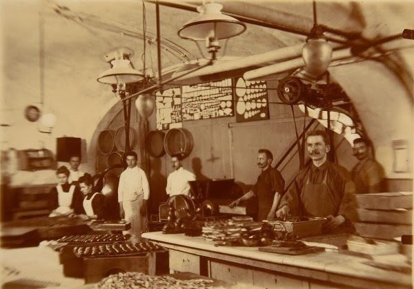 Szaloncukor Factory in the old times