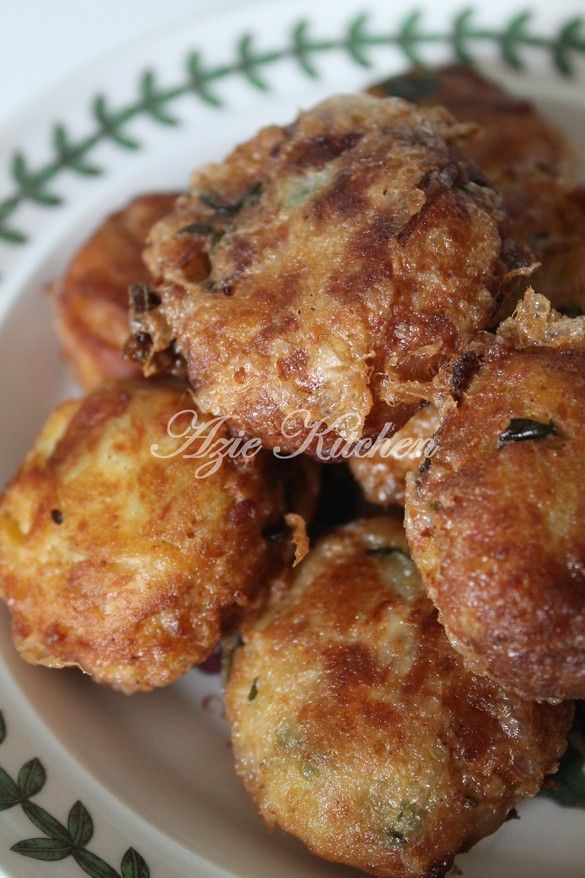 Azie Kitchen: Begedil Ayam