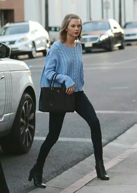 Taylor Swift has some serious chic style that I would actually like myself!