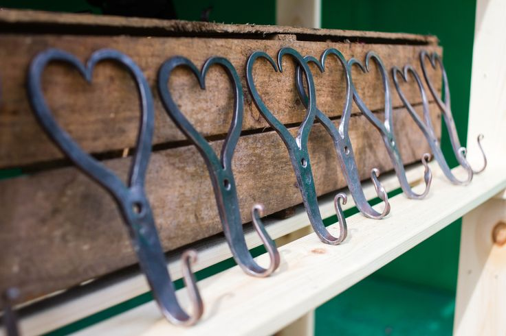 Lovely wall hangers ready for shipment. Whether you have a burning love or not, this things would look lovely in any cabin or rustic home. Hand forged blacksmith work with traditions in the forest of Norway, for all you coat hanging and gifting needs.