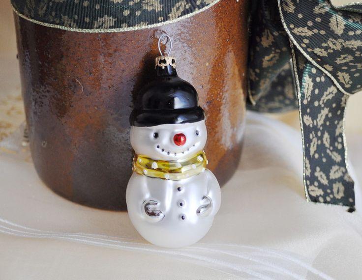 Weihnachtsdeko - Schneemann mit gelber Schleife, Weihnachtsdeko - ein Designerstück von Weihnachtsromantik bei DaWanda