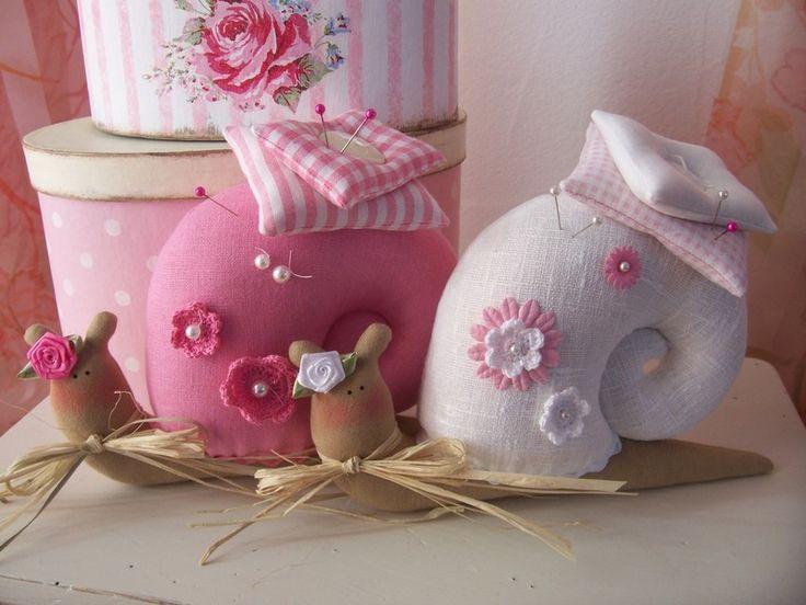 So cute - Like this for pincushion idea! :)