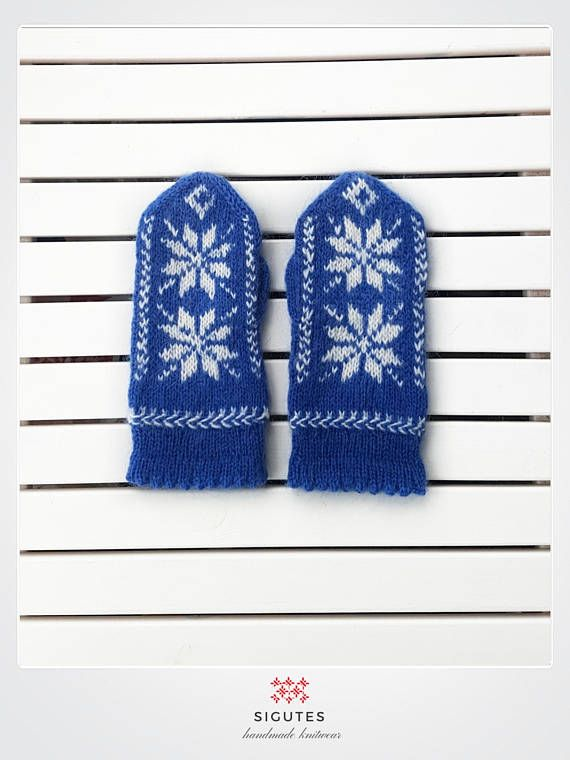 Hey, I found this really awesome Etsy listing at https://www.etsy.com/listing/547094966/hand-knitted-blue-mittens-copenhagen