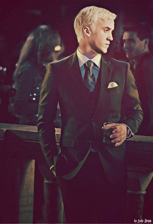 suit n tie. So hot, Malfoy