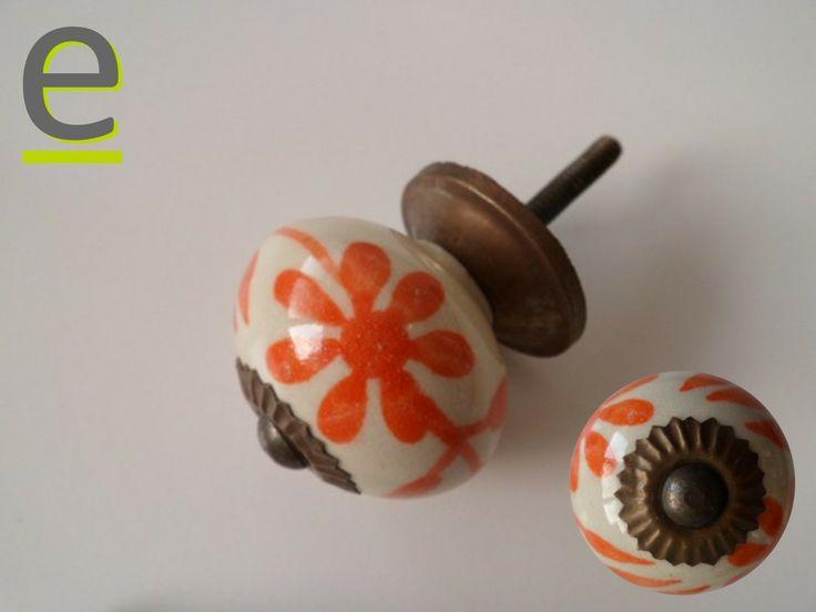 pomelli per armadio con decorazione arancio! https://easy-online.it/categoria-prodotto/pomelli/