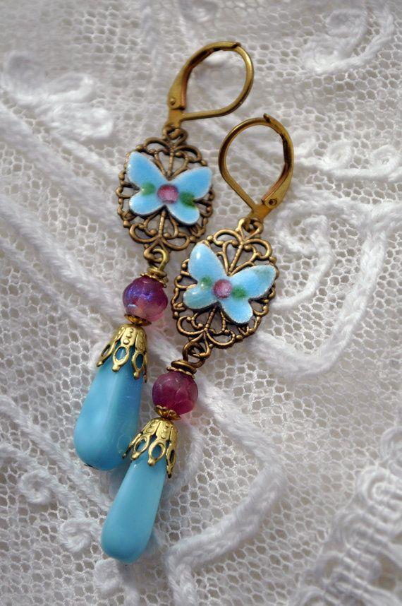 Blauer Schmetterling lange Ohrringe mit rosa rose von MoodsWingz