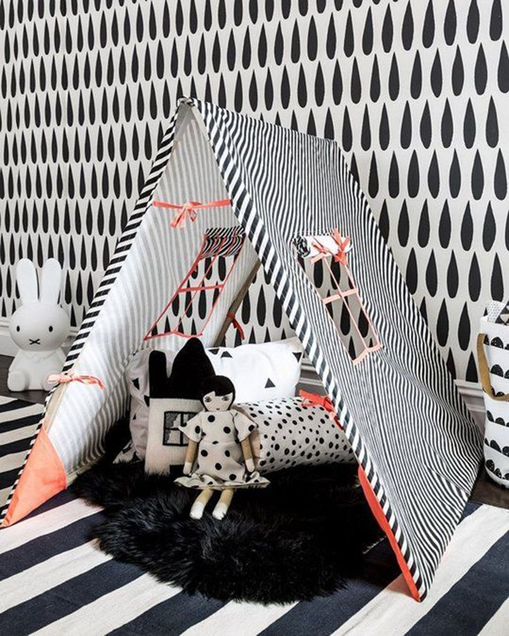 5 fun playroom ideas | graphic black and white wallpaper and a play tent