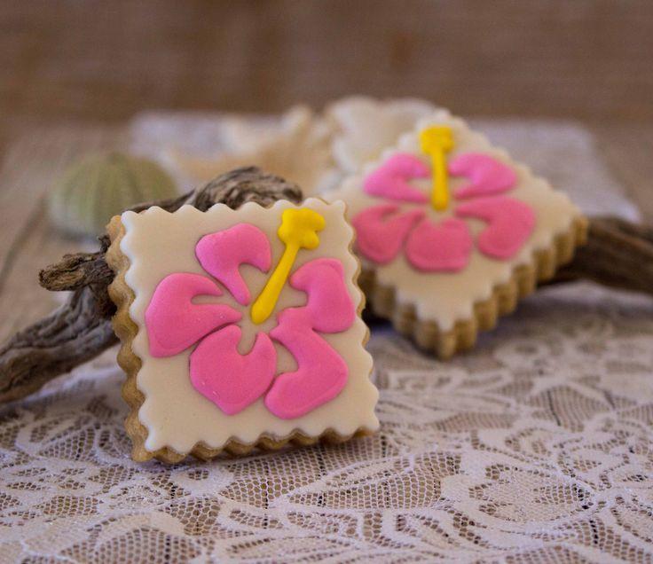 Sugar cookies: tropical hibiscus flowers