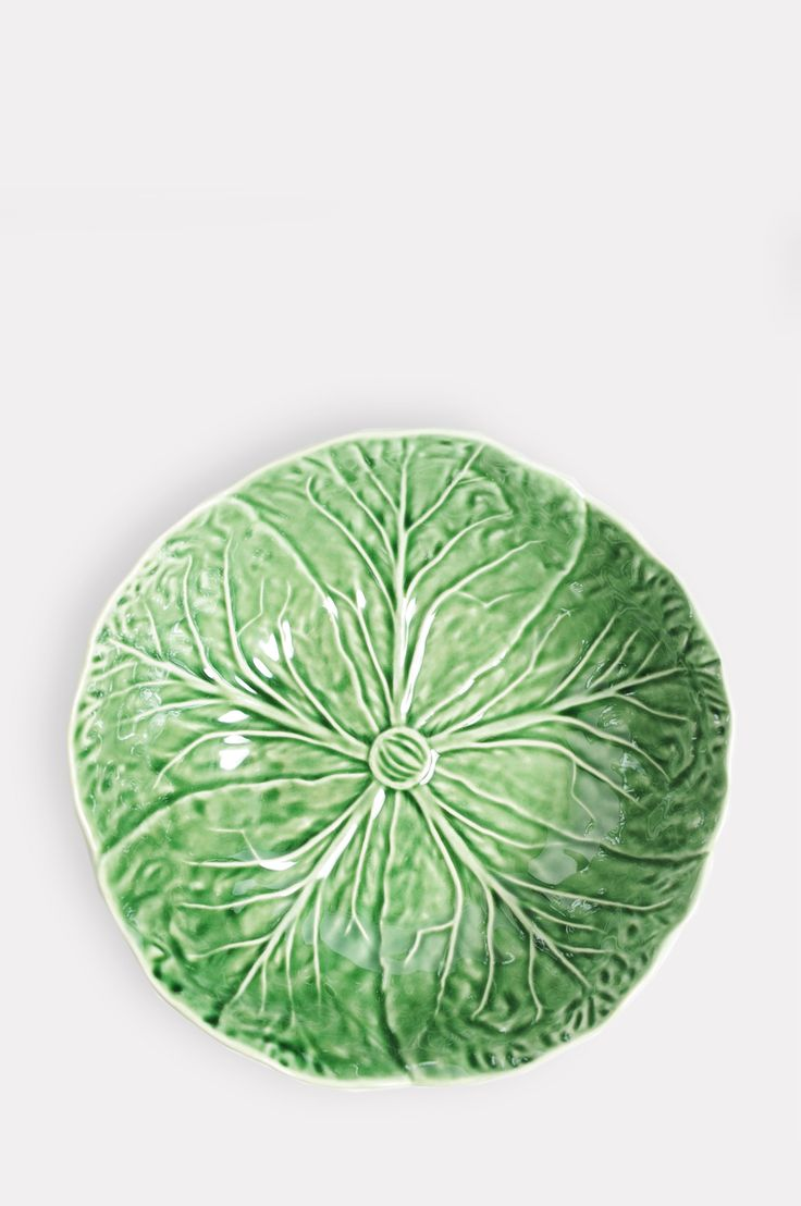 Van Verre Small Green Bowl: This gorgeous modern and light take on the classic Wedgewood Majolica pottery will make a delightfully fun addition to any table setting. Perfect for leafing in between your everyday plain white crockery, or as a stand-alone statement bowl.