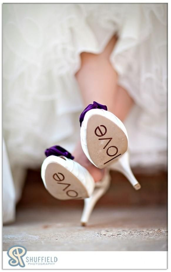 Awesome idea - let your wedding shoes say something!