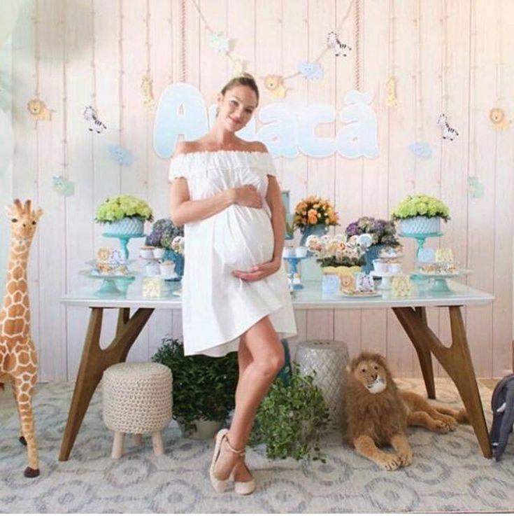 Candice Swanepoel arma chá de bebê em clima de safári para Anacã