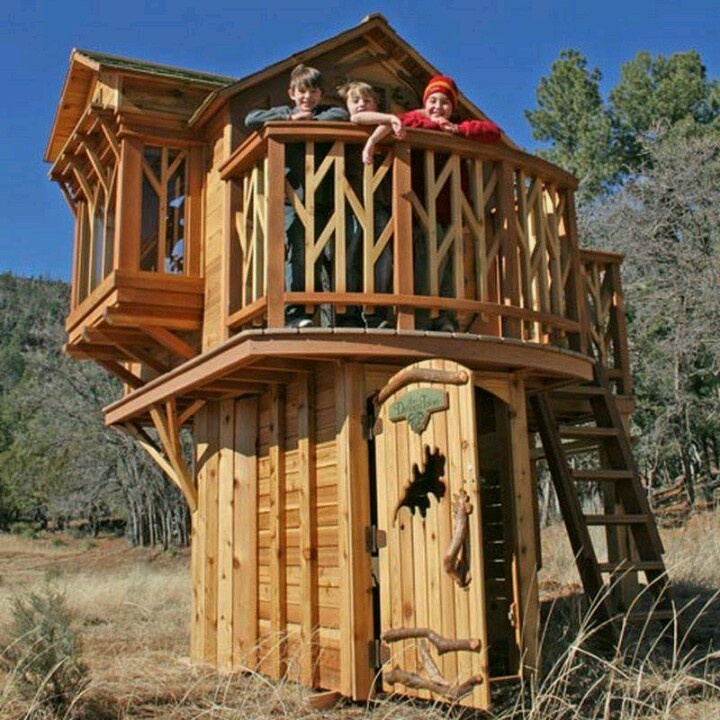Such a cool club house for kids club houses pinterest for Cool backyard tree houses