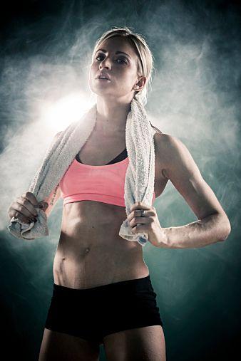 初めからあまりきついトレーニングをしていると、やる気を失って三日坊主になってしまうので、 筋トレ やストレッチは無理せず徐々に回数を増やそう!