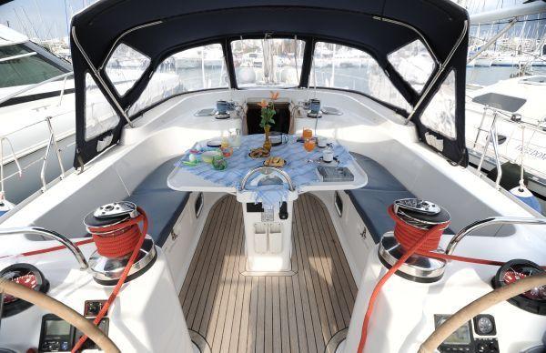 kanupew għall-jottijiet - telt for båten - markise for seilbåt - baldakin for yachter - tent voor de boot - luifel voor zeilboot - luifel voor jachten - namiot dla łodzi - markizę na żaglówce - baldachim dla jachtów - tenda para o barco - toldo de veleiro - dossel para iates - cort pentru barca - Tent pentru barcă cu pânze - baldachin pentru iahturi -