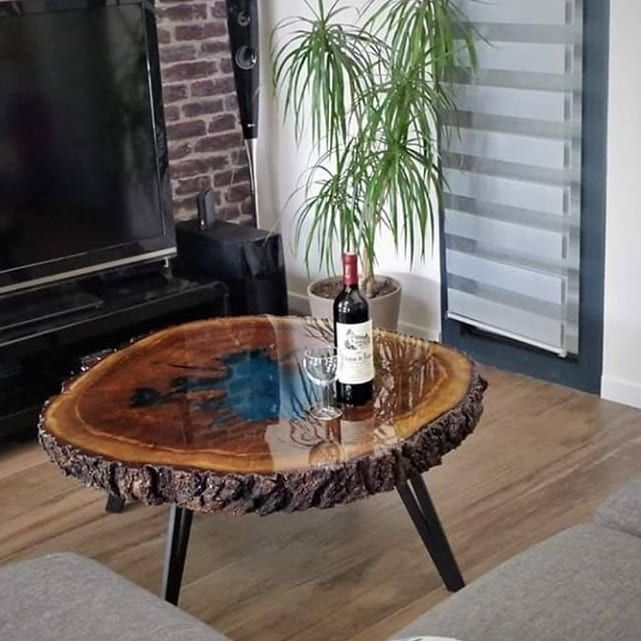 Resin Pro France On Instagram Table Basse En Chene Et Resine Epoxy Creation Woodymetalcreations Avec Au Centre Table Basse Chene Table Basse Table De Salon