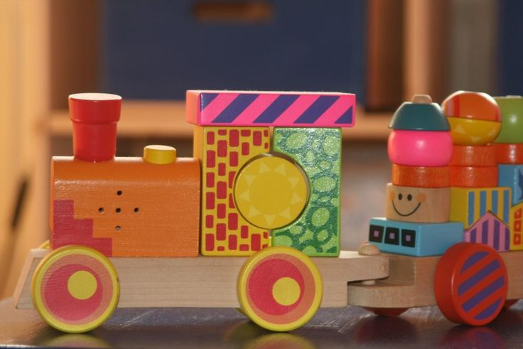 Educational learning toys for kids and toddlers.    Helping develop kids' creativity with fun engaging toys.   See our collection at   www.Ritzceli.com