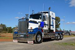 Hehirs (quarterdeck888) Tunnisteet: Nikon flickr sora- kuljetus pakkasella kuorma kenworth tavaraliikenteen puolikansi newellhighway highwayphotos hehirs t909 D5100 worldtruck jerilderietrucks oaklandstruckshow