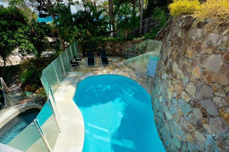 Little Cove Court - swimming pool - Little Cove Apartments Noosa. Booked! Only six months to go..