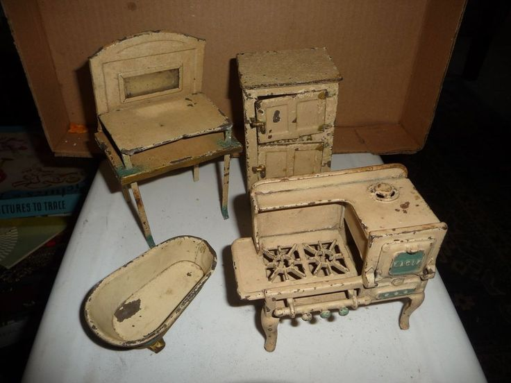 ANTIQUE dollhouse CAST IRON stove refrigerator TIN bath tub table stand LOT