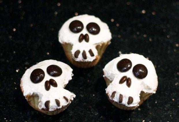 skull cupcakes halloween cupcake decorating ideas halloween cupcakes