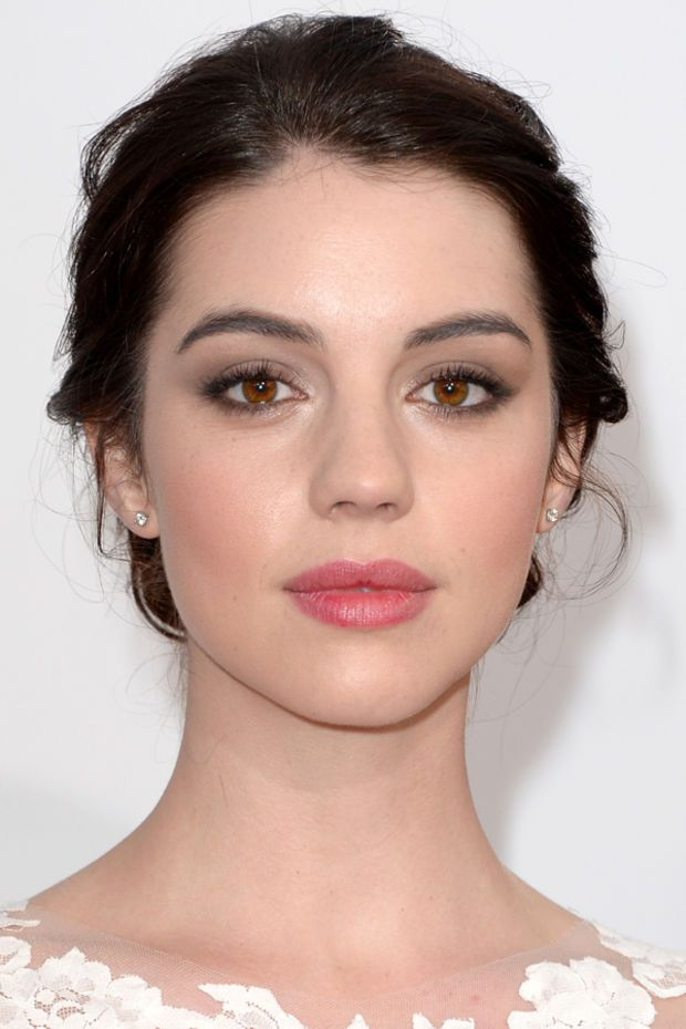 ADELAIDE KANE The 15 Most Inspiring Beauty Looks of 2014 Awards Season - Beauty ...