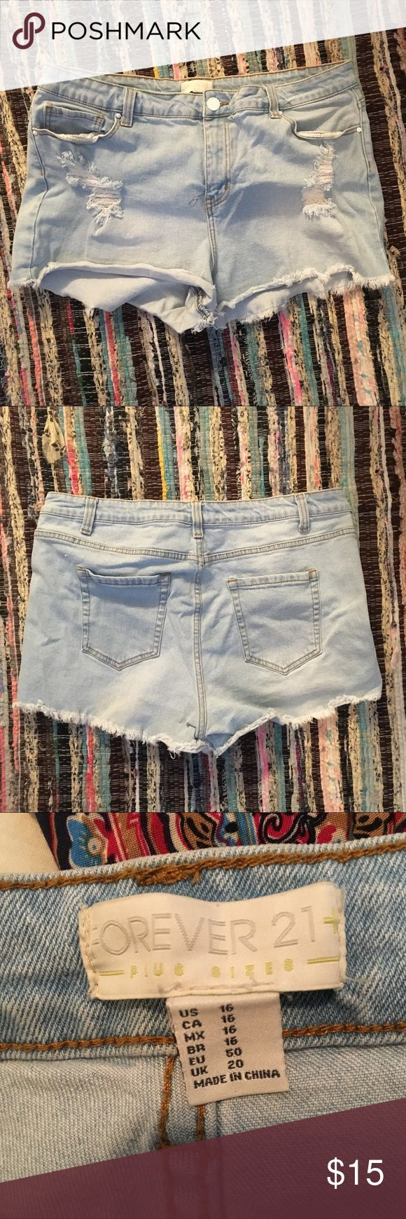 Forever 21 Jean Cutoffs Super cute jean cutoffs. Stretchy and comfortable. They weren't my size so I wore them with a cute belt and rolled them and that looked great Forever 21 Shorts Jean Shorts