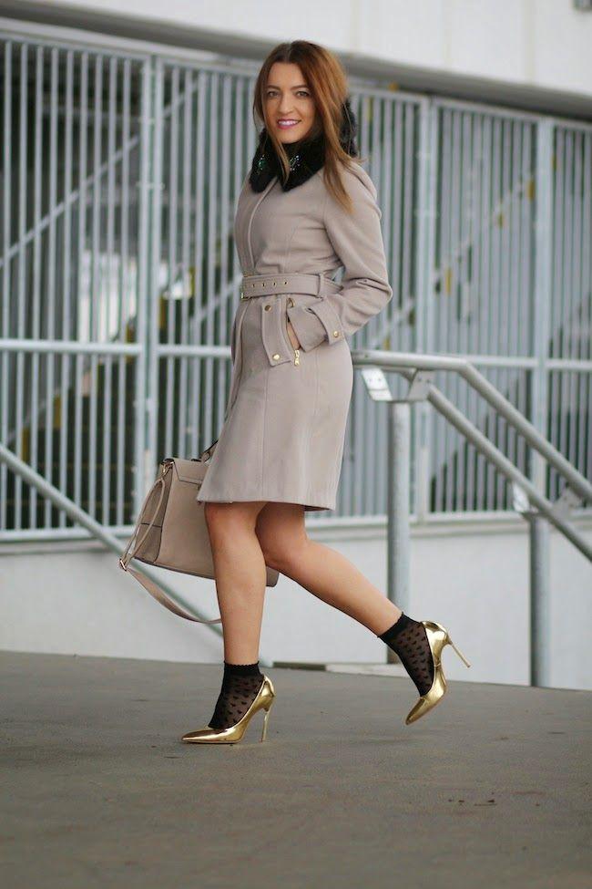 Paltonul ideal si Pantofii metalizati cu toc | Sandra Bendre