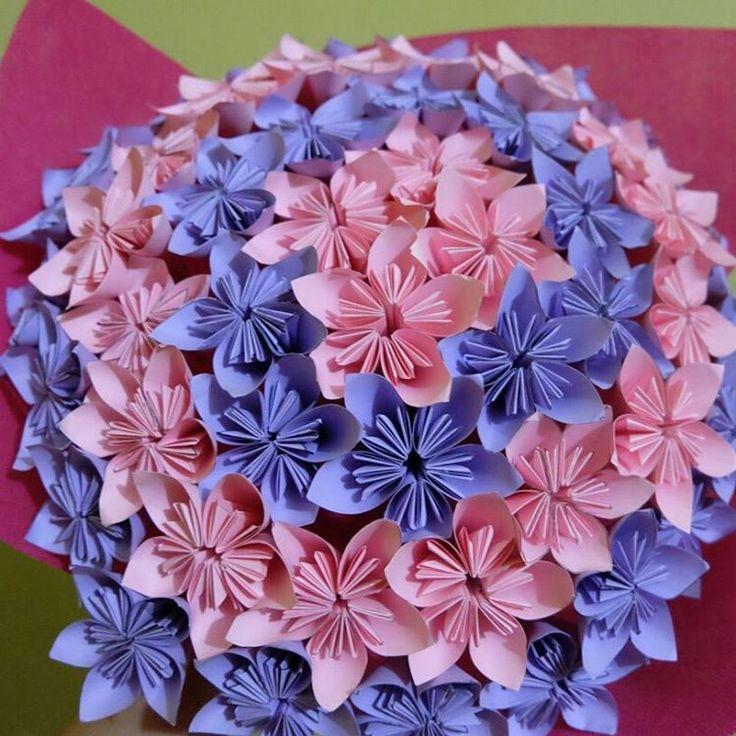 "9 Likes, 1 Comments - Peek A Boo Craft (@peekaboo.craft) on Instagram: ""Big bouquet 2 ""50pcs"" . . . . #paperflowers #paperflowersbandung #bungakertasbandung #bungakertas…"""