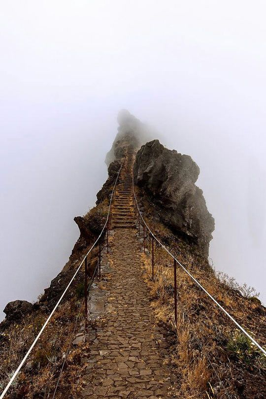 Stairs Into The Clouds (Pico do Arieiro, Madeira Island, Portugal) :O God. How is that even ? Geniusm must say.