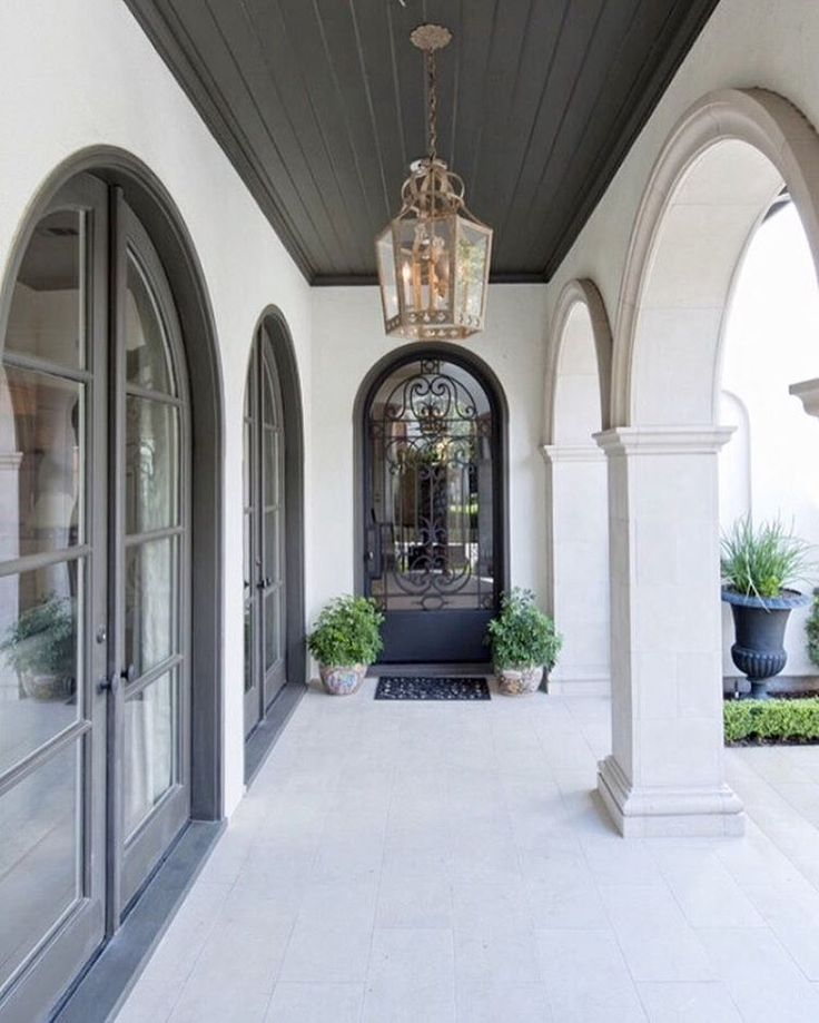 Arched hallways! | Designed by Sullivan, Henry, Oggero & Associates! #sullivanhenryoggero #interiordesign #architecture