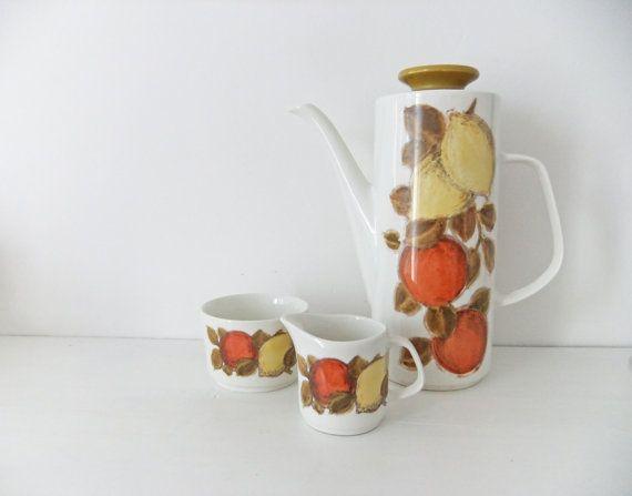 J & G Meakin Coffee Pot / Teapot /Chocolate Pot #peonyandthistle #etsy