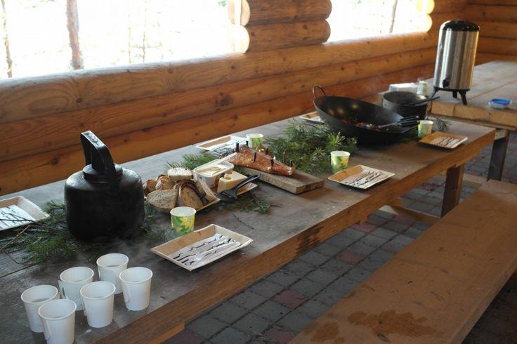 Ruokaa luonnosta #visitsouthcoastfinland #fiskars #Finland #nokkostee #vihanneksia #leipää #perunoita #kalaa #potatoes #bread #tea #vegetables #fish