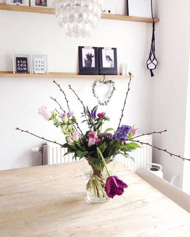 F L O W E R S // Het leuke van een familiedag is niet alleen dat je je ooms, tantes, nichten en neven weer ziet maar ook dat ze mooie bloemen voor je meenemen!