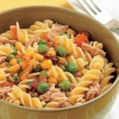 Receita de Salada de Macarrão Parafuso com Atum