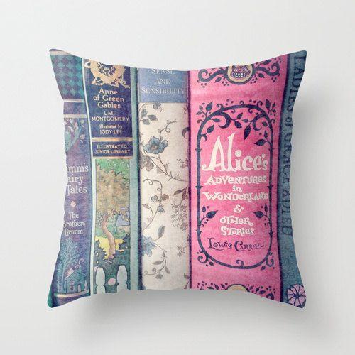 Un oreiller bibliothèque parfaite couverture des livres, décoration, literie, pépinière, chambre de la jeune fille, Jane Austen, Alice au pays des merveilles, les contes de fées, menthe, Aqua, rose