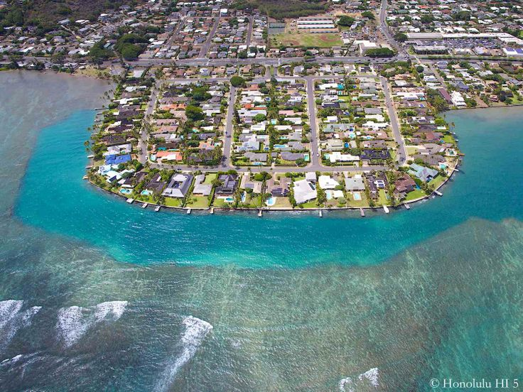 Spectacular Wailupe Peninsula in Honolulu, Hawaii. Amazing lifestyle for  the few lucky ones right. Real Estate ...