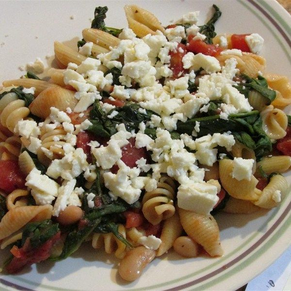 """Greek Pasta with Tomatoes and White Beans 