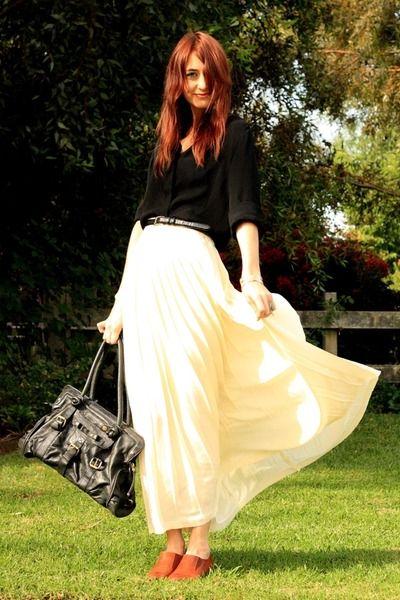 Beige-thrifted-skirt-black-georgio-armani-blouse-silver-h-m-sweater_400
