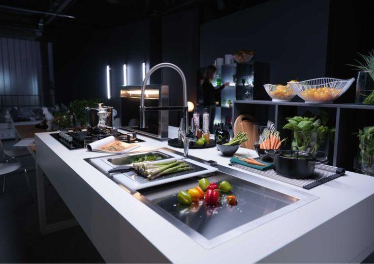 Buona cena dell'Immacolata 🍱🥦🧀🥩🌶🍮🍷 #kitchen #passion #interiordesign #home #house #arredocasa #arredamento #elettrodomestici #franke #rossimobili1975 #botticino