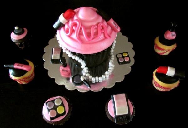 diva cupcakes bella's birthday?
