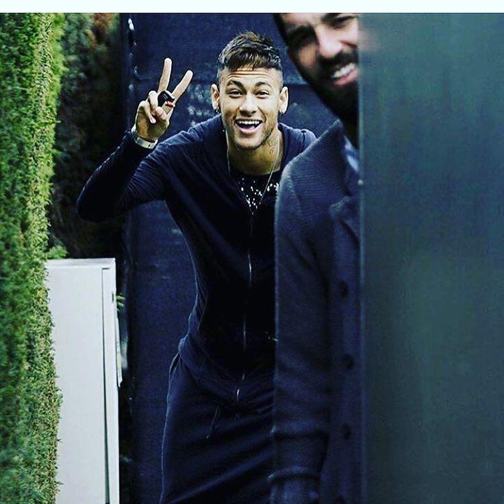 Cute guy  #messi #Tokyo2020 #sportsnews #tbt #Ronaldo #Ricardo #neymarjr #DavidLuiz #luiz #RobertoCarlos #carlos #cbf #fcb #mufc #manchester #chelsea #fc #bayern #realmadrid #MadridS.A.D #atm #milano #nba #acmilan #milan #ball #love #Baloncesto #China #USA