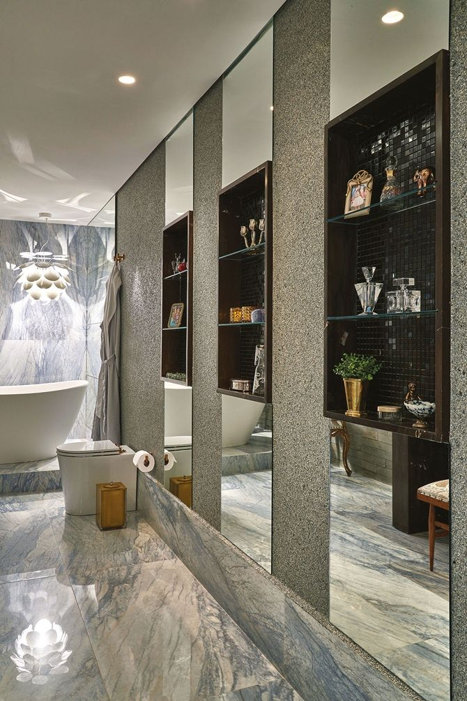 Great mirrors in the bathroom looks  luxurious!