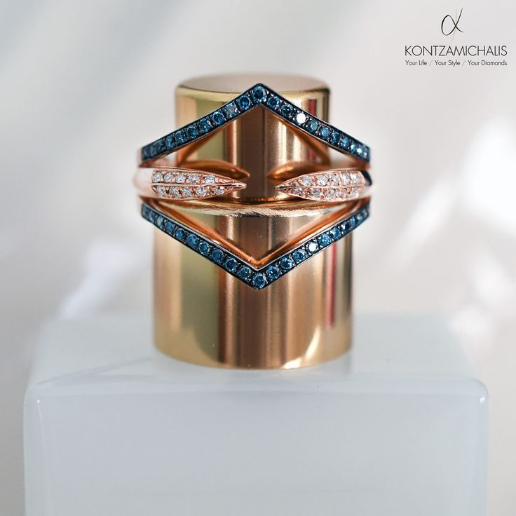 A symmetric crown for your fingers. Simply beautiful. #KontzamichalisJewellery