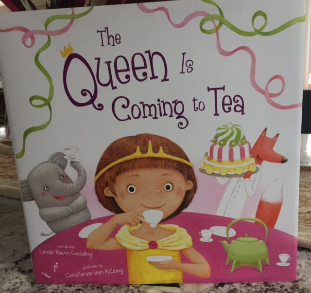 The Queen Is Coming to Tea by Linda Lodding #Bookworm