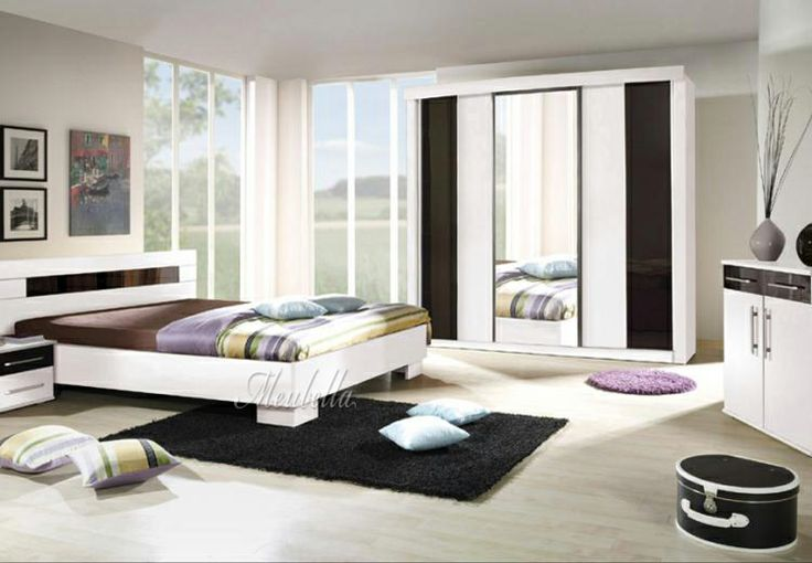 25 beste idee n over zwarte bedden op pinterest zwarte slaapkamers zwarte slaapkamer decor - Hoofdbord wit hout ...