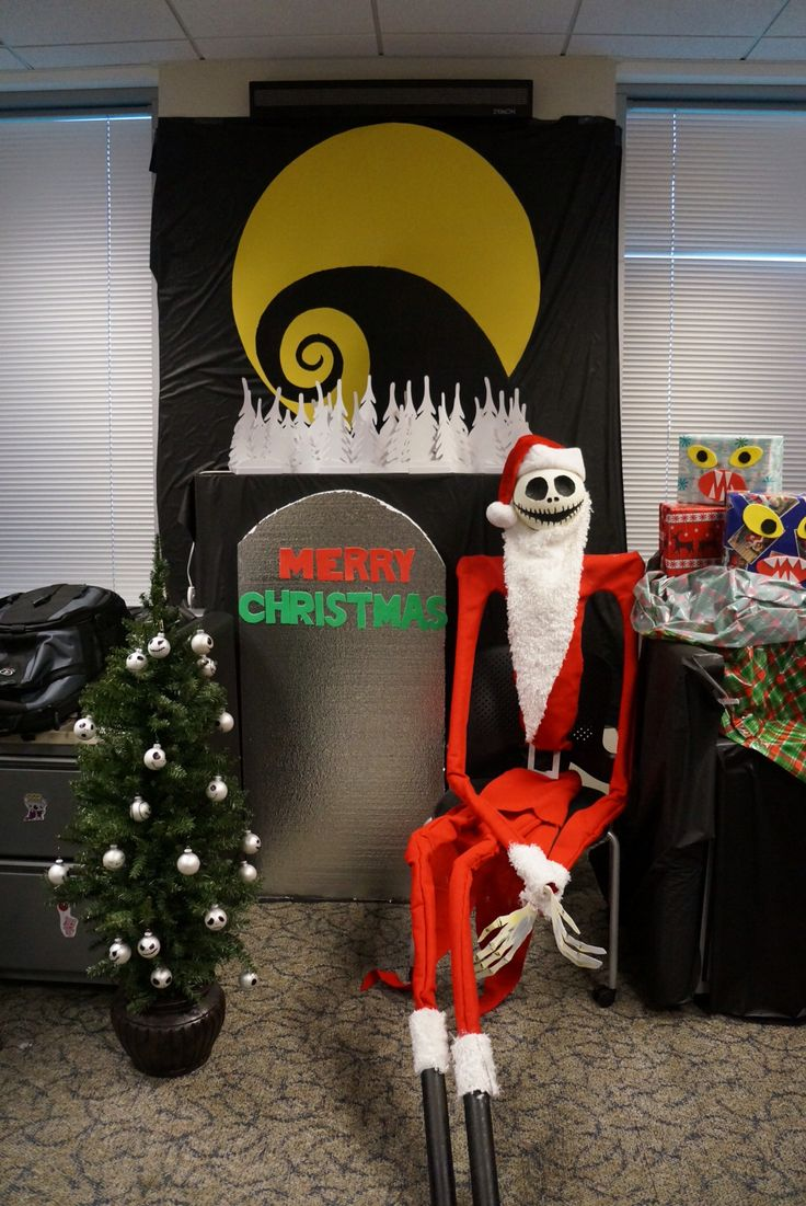 nightmare before christmas in the office source source a creepy decoration idea
